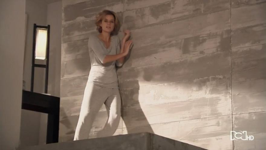 Silvia sabe que Sara estvuo en la carcel