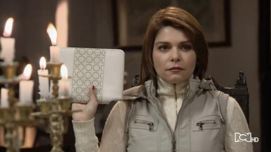Sara tiene el diario de Patricia