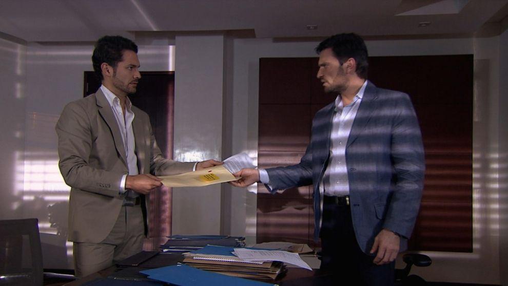 Felipe e Iván encuentran a evidencias