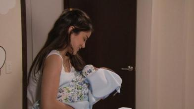 Gabriela conoce a su hermano