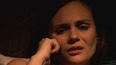 Natalia logra comunicarse con Santamaría