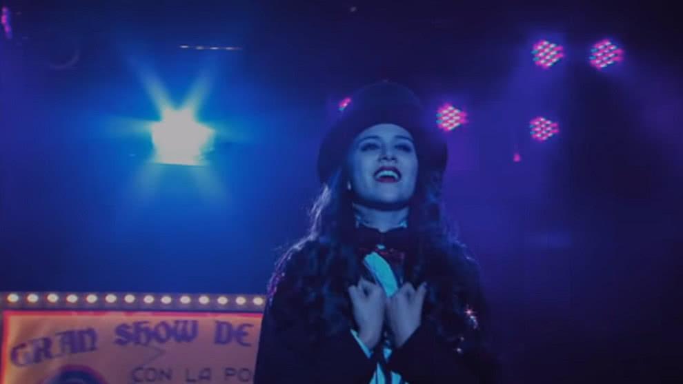 Chica Vampiro - Daisy hace magia