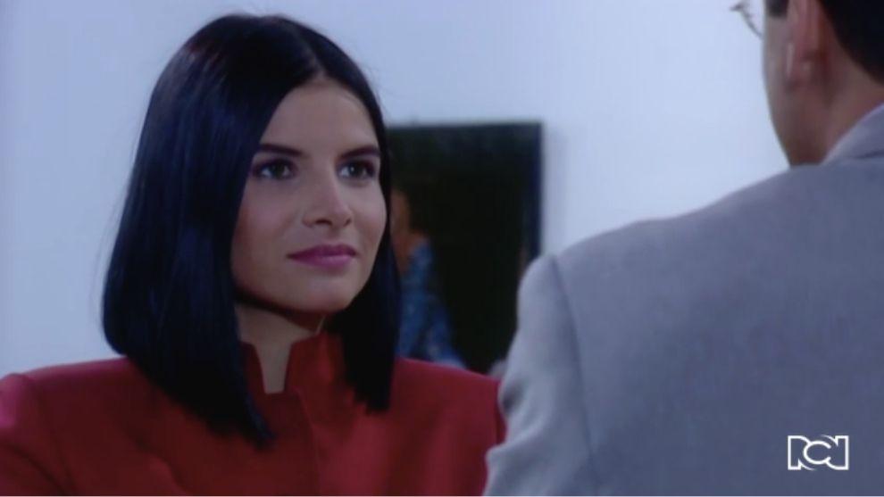 Marcela le da celos a Betty con Armando
