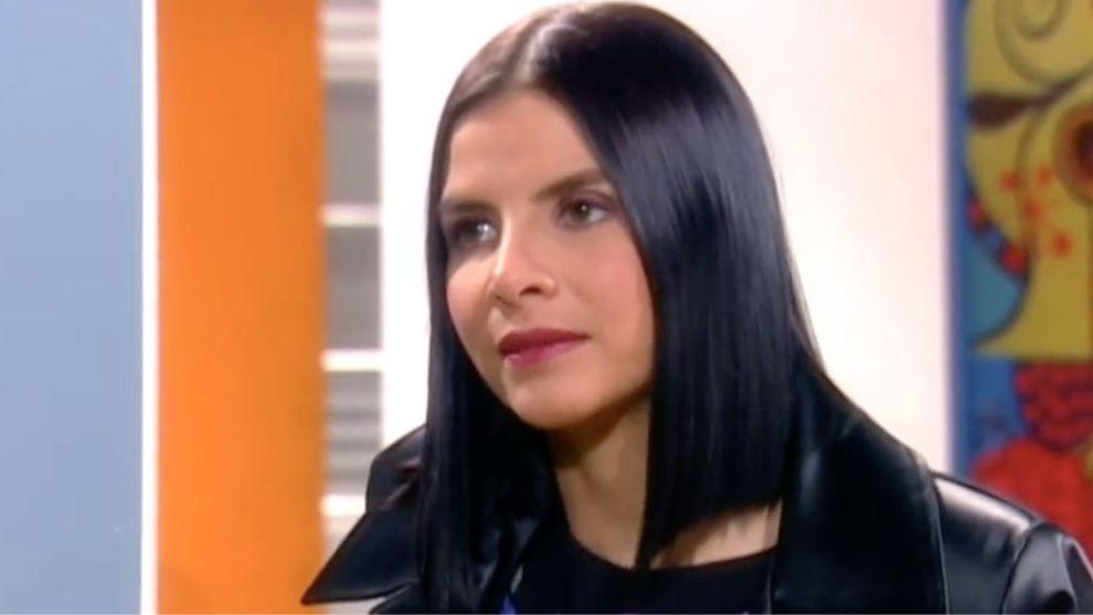 Marcela descubre a las del cuartel hablando mal de ella