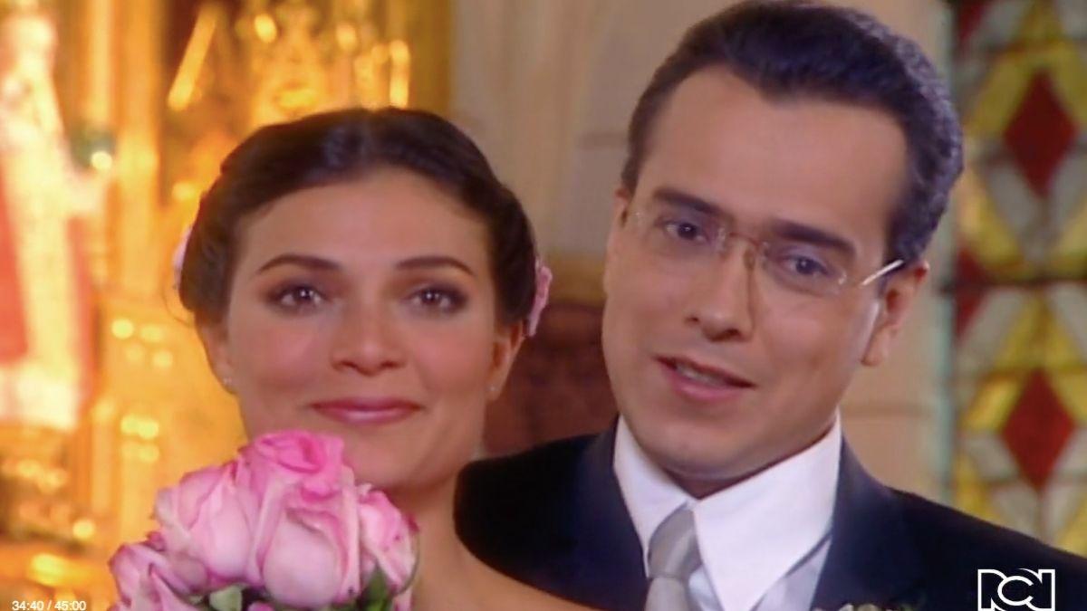 Betty y Armando dan el sí en el altar