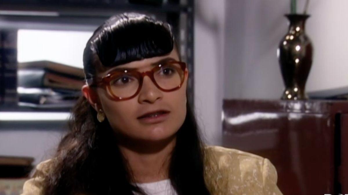 Betty se defiende ante los insultos de Daniel Valencia
