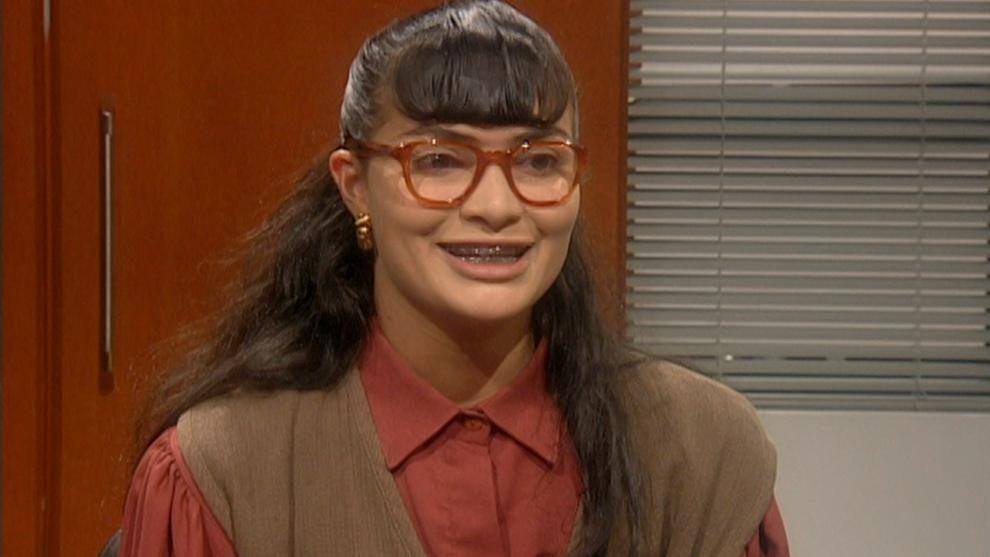 Betty es contratada en Ecomoda