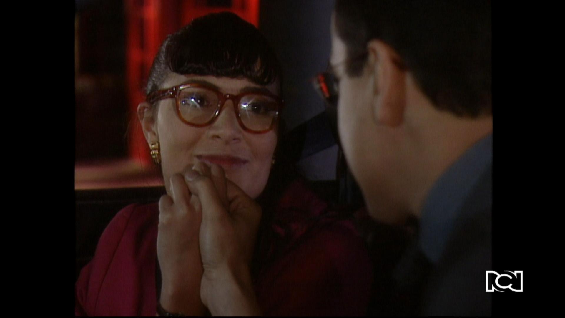 Betty está muy enamorada de Armando