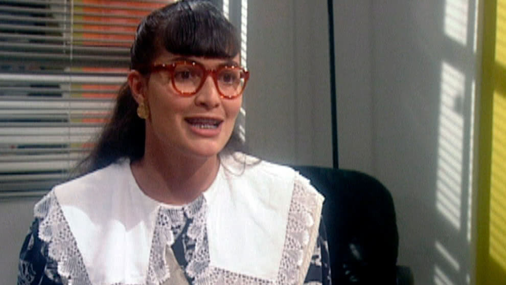 Betty se presenta en Ecomoda para el puesto de secretaria