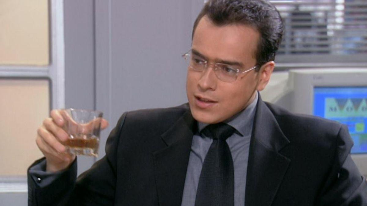 Armando se entera de que Betty tiene novio