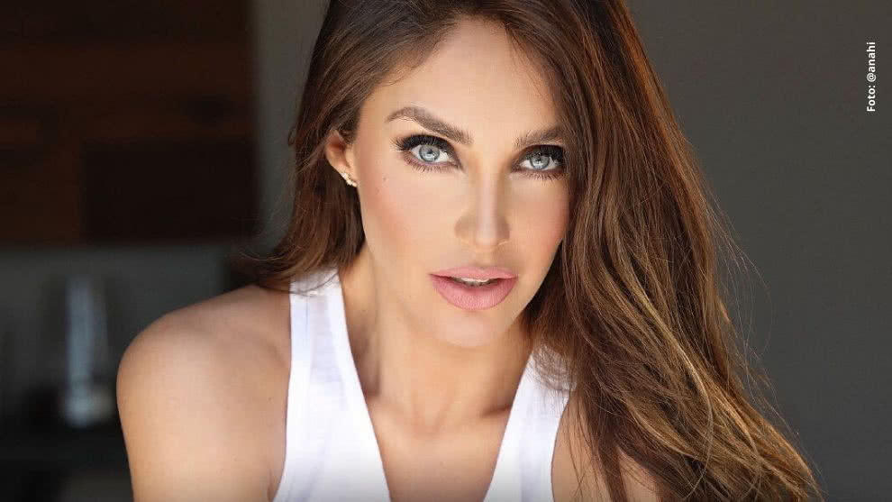 anahi mostro video de como se movia su hijo en la barriga
