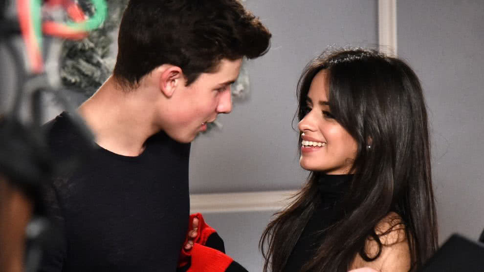 camila-cabello-shawn-mendes-video-beso-restaurante-instagram