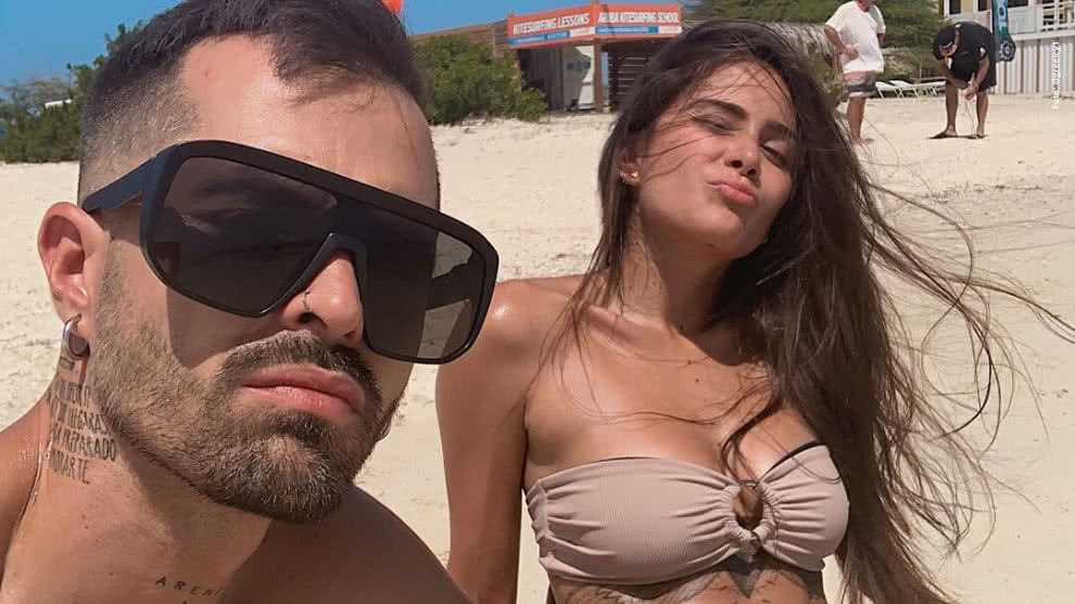 greeicy rendon golpeo la camioneta a mike bahia