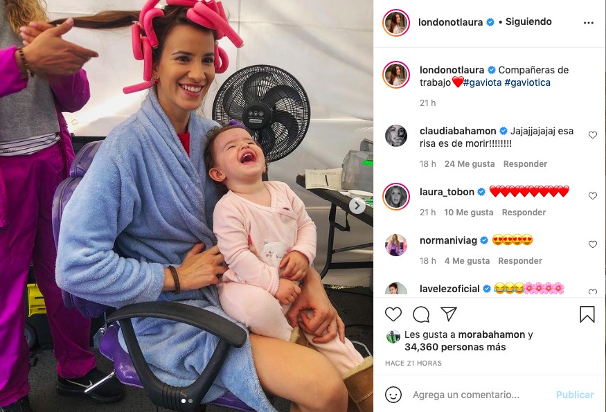 Así trabaja Laura Londoño, 'Gaviota' en Café, junto a su pequeña hija