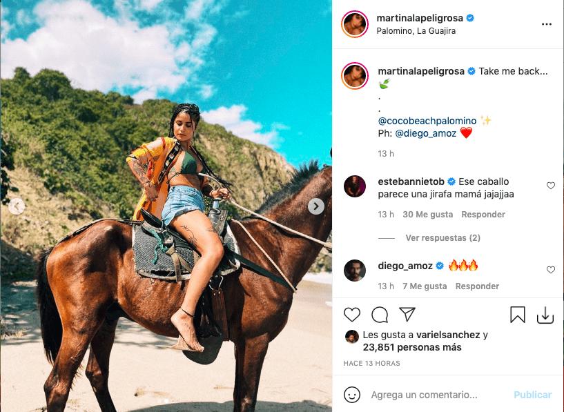 Martina La Peligrosa enamoró tras presumir sus piernas montando a caballo