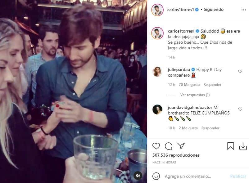 Carlos Torres celebra cumpleaños botella en mano