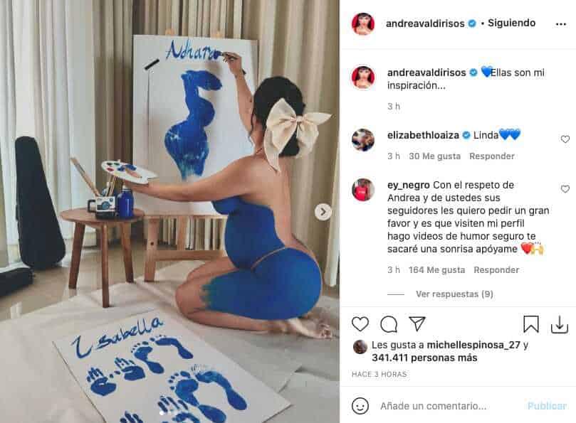 Andrea Valdiri posó sin ropa y la cubrió tan solo una capa de pintura azul
