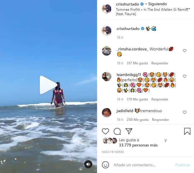 cristina hurtado en bikini y en el mar