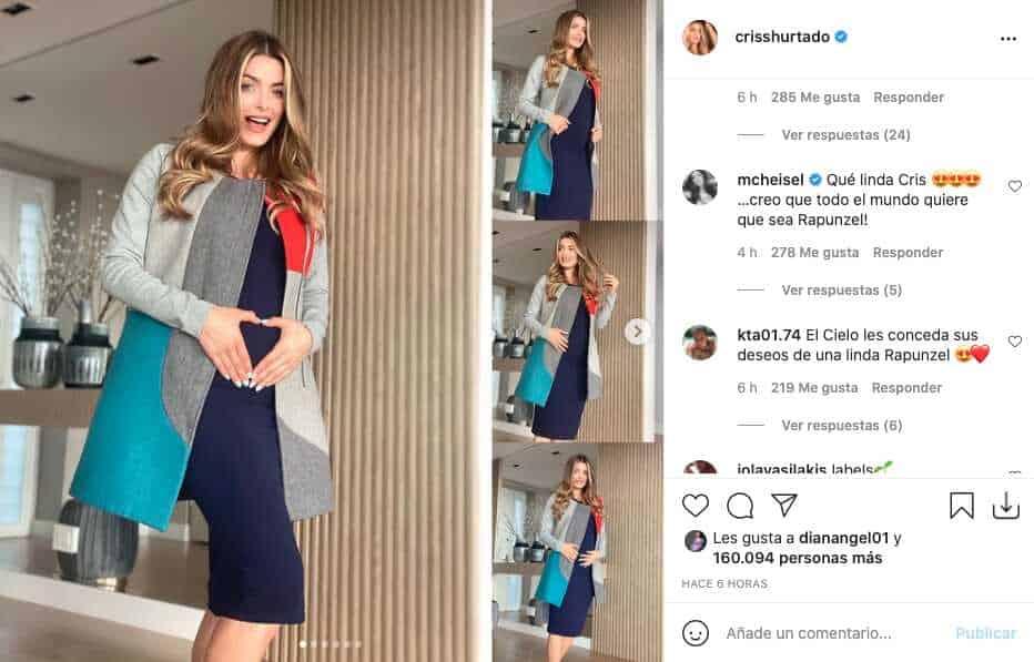 Cristina Hurtado presumió el crecimiento de su barriguita con elegante vestido