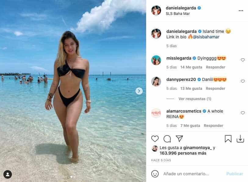 Daniela Legarda se mostró completamente al natural en pequeño bikini