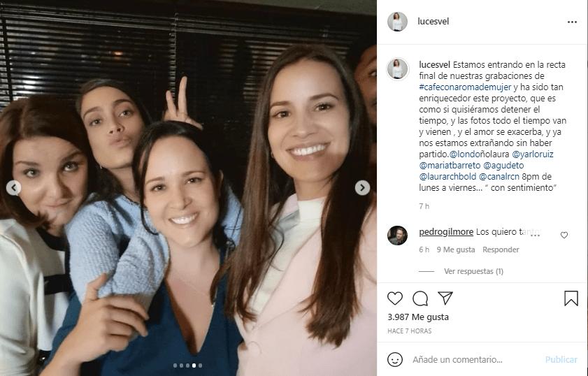 Gaviota junto a Julia y las hermanas Vallejo Café