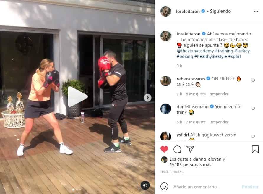 lorelei taron muestra su talento para el boxeo