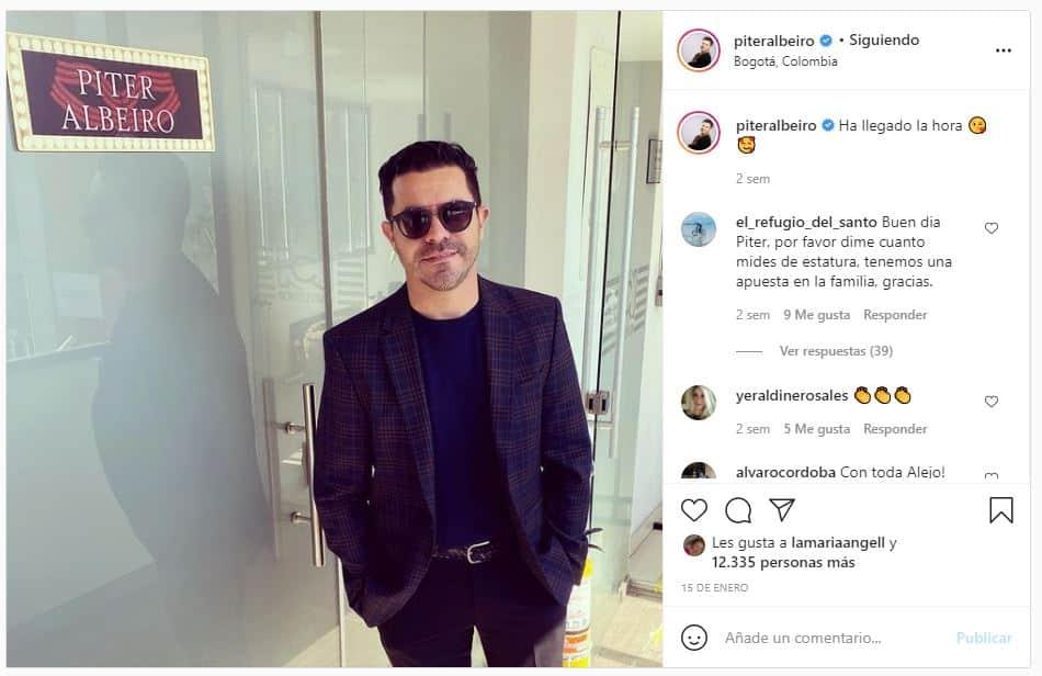 Piter Albeiro, el divertido presentador de ¿Quién es la máscara?