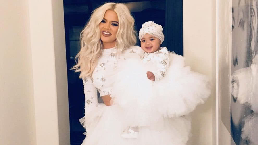 khloe-kardashian-hija-true-lujoso-regalo-mini-carro-video-instagram