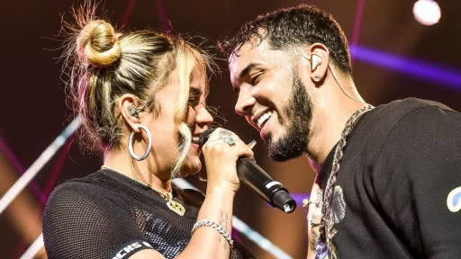 karol-g-anuel-aa-lujosos-autos-video-gira-culpables